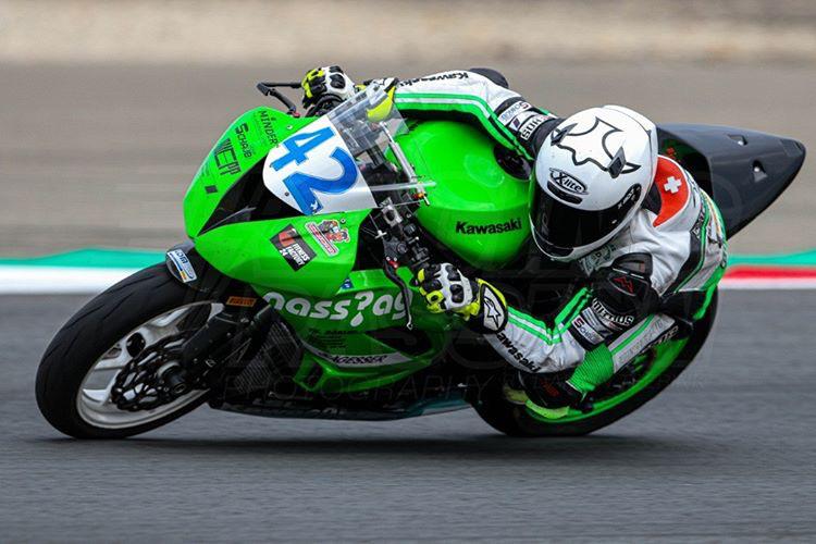 Sandro Furter auf Motorrad Rennstrecke